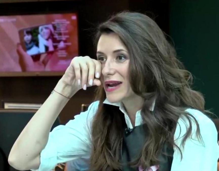 Iuliana Tudor, OUT de la TVR! Cum a umilit-o noul ei sef!! Vedeta nu se opreste din plans