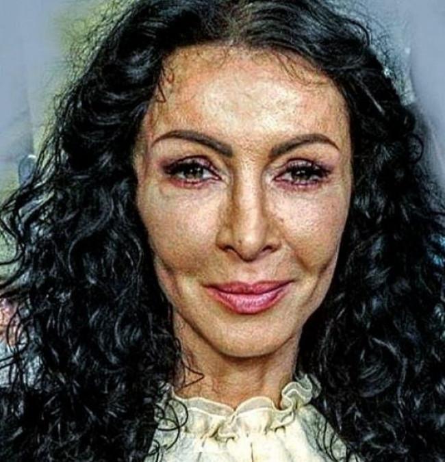 Mihaela Radulescu, plina de RIDURI! Pozele sunt HORROR! Adevarul despre TENUL ei a iesit la iveala. Asa arata, de fapt, fara pic de Photoshop