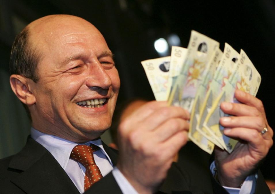 WOW, ce pensie are Traian Basescu! Castiga mai putin ca Ion Iliescu, desi a fost primar si presedinte